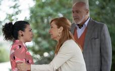 Isabel tiene que contarle a Belén que es adoptada