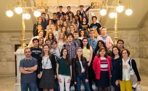 La alumna Alba María Álvarez, Premio de Columnismo para Jóvenes Escritores de Valladolid