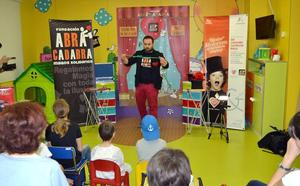 La Fundación Abracadabra lleva su magia a la planta de Pediatría del Hospital Río Hortega