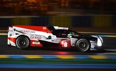Alonso marca el mejor registro en la primera tanda de clasificación