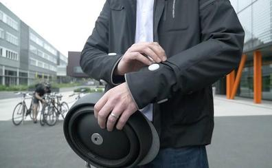 Crean una chaqueta inteligente para proteger ciclistas