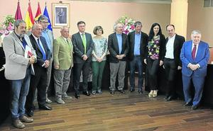 El poeta valenciano Jaime Siles gana el Premio Gil de Biedma