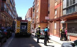 Sofocan el incendio de una cocina en una vivienda de Valladolid