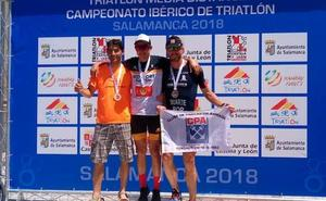 Diego Paredes conquista su segundo triunfo en Salamanca seguido por Alberto Bravo
