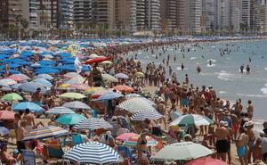 Llega el 'timo de la pulsera' a las playas de España