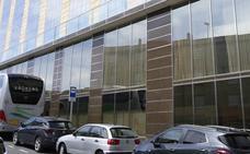 Las Cortes analizan hoy la situación urbanística del Hotel Corona Sol