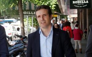 Casado opta a la sucesión de Rajoy y reprocha el silencio de los pesos pesados del PP