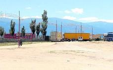 La alcaldesa se compromete a reforzar la seguridad del recinto ferial de La Albuera