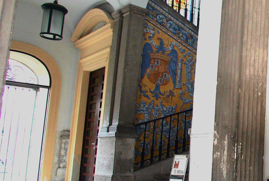 Cómo tapar, sin destruir, un símbolo franquista