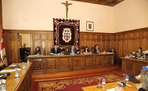 El PSOE de Palencia pide que se aprovechen las obras del salón de plenos para retirar el crucifijo