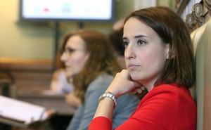 La portavoz de Ciudadanos abandona el pleno municipal ofendida por un comentario de Óscar Puente