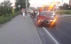 Tres mujeres heridas en un accidente por alcance entre dos turismos en el barrio España