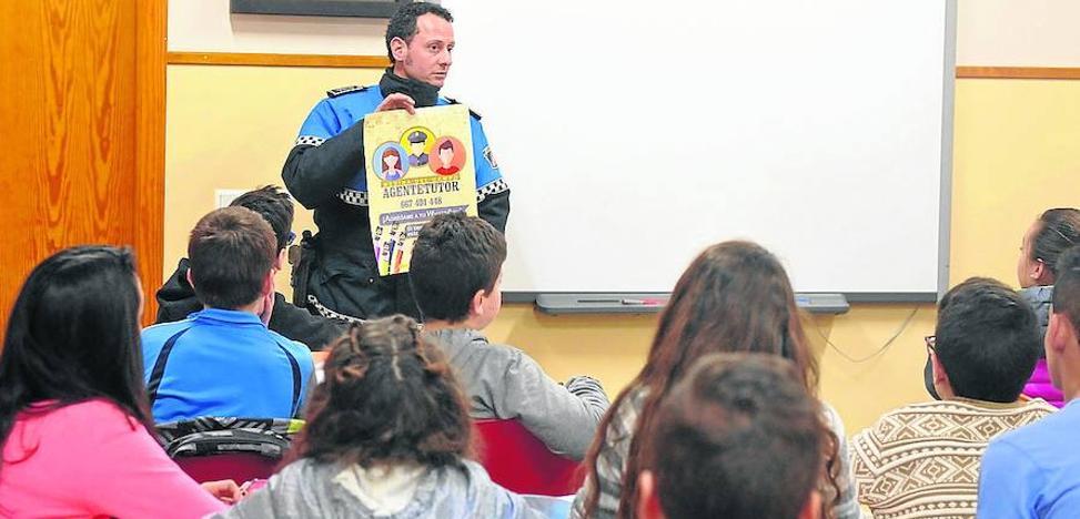 Medina aplicará un protocolo para frenar el absentismo escolar y el consumo de drogas