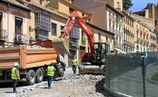 Las obras de la calle San Juan generan retenciones en San Cebrián
