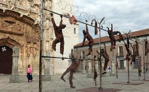 La valla instalada en San Pablo recibió cientos de mensajes sobre el drama de los refugiados