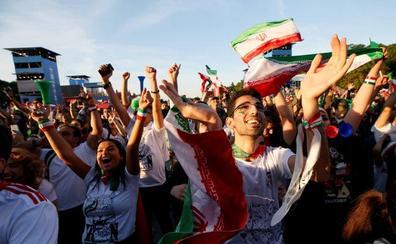 Mujeres y hombres verán por primera vez juntos un partido en el estadio Azadi de Teherán