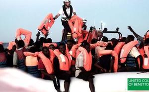 Benetton usa imágenes del rescate del 'Aquarius' para una campaña publicitaria