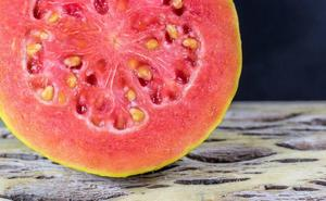 Advierten del cuidado que hay que tener al consumir fruta cortada y envasada