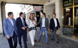 La presidenta del PP y el alcalde de Palencia dicen de los afiliados que «ellos no se equivocan»