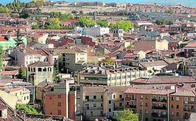 La falta de personal atasca en Segovia la revisión de edificios con más de 40 años de antigüedad
