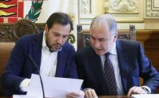 El PP denuncia a Óscar Puente tras no abrir expediente a su concejal de Hacienda por firmar el contrato de su cuñada