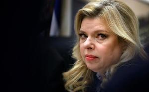 La mujer de Netanyahu, imputada por fraude
