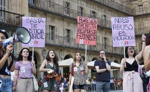 Unas 250 personas protestan contra la excarcelación de La Manada
