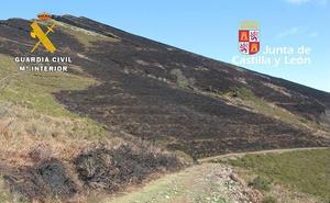 Un ganadero y su hijo menor, investigados por un incendio forestal en 2017 en Nava de Ordunte