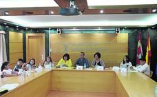 El alcalde de Carbajosa anuncia a los niños nuevas mejoras en los parques infantiles