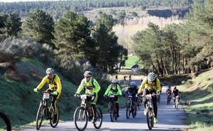 Segovia quiere turistas subidos a la bici