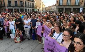 Segovia grita contra «la justicia patriarcal»