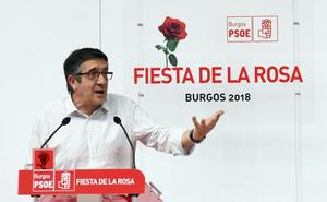 Patxi López dice que el Gobierno atenderá las «urgencias» de las comunidades antes de plantear un nuevo modelo