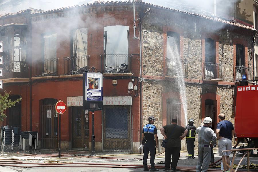 Incendio de un edificio en La Bañeza