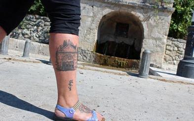 Defensa excluye de una plaza de soldado en Valladolid a la joven que lleva un tatuaje en el pie