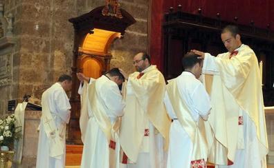 La Catedral de Valladolid acoge la ordenación de tres nuevos sacerdotes
