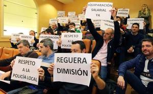 Los representantes sindicales de la Policía Local se suman a la petición de cese de Reguera