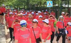 Más de 500 personas marchan para visibilizar «la enfermedad de la lentitud»