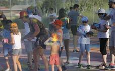 La 'Holi-Vares' llena de color las fiestas de San Pelayo, en Olivares de Duero