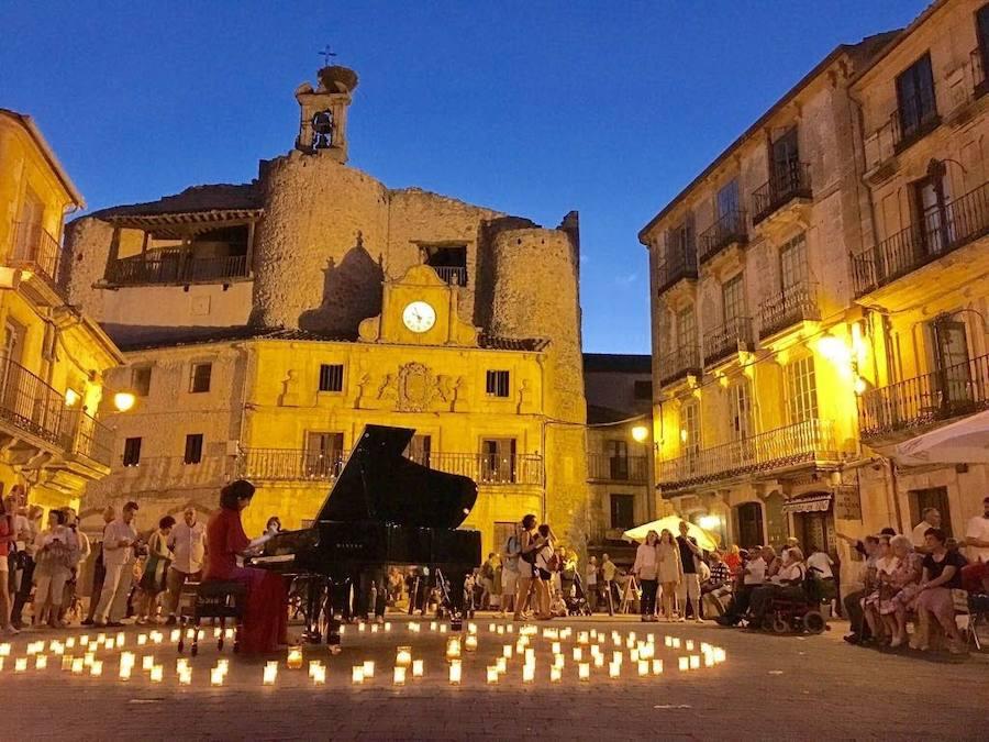 Música de cuatro pianos sonará junto al castillo de Turégano