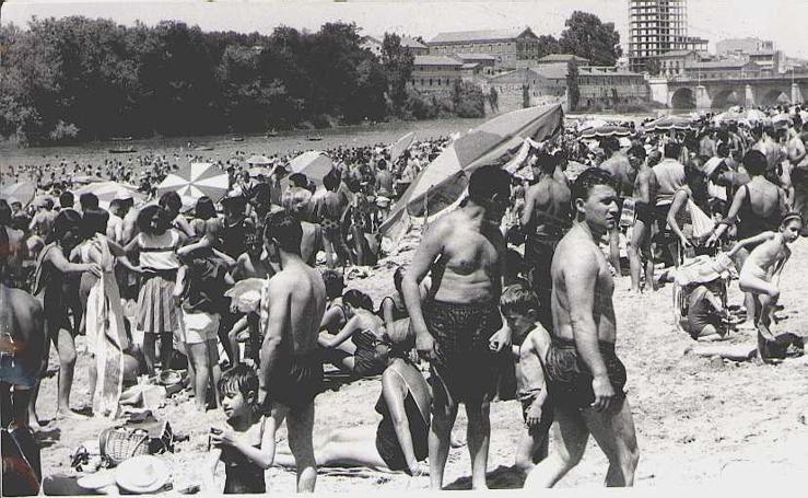 Los veranos en la playa de Las Moreras en los años 70
