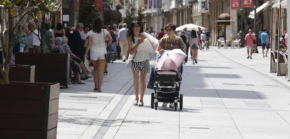 La llegada de población extranjera crece sin que logre compensar la baja natalidad