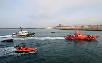 Ascienden a 155 los inmigrantes rescatados en el Estrecho tras el hallazgo de dos nuevas pateras