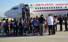 Llegan a Valladolid los primeros niños saharauis para sus 'Vacaciones en Paz'