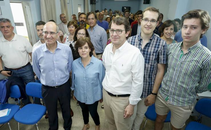 Soraya Sáez de Santamaría se reúne con afiliados del PP en Salamanca