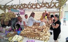 Portillo reivindica sus raíces agrícolas y artesanas con 26 puestos en la feria del ajo
