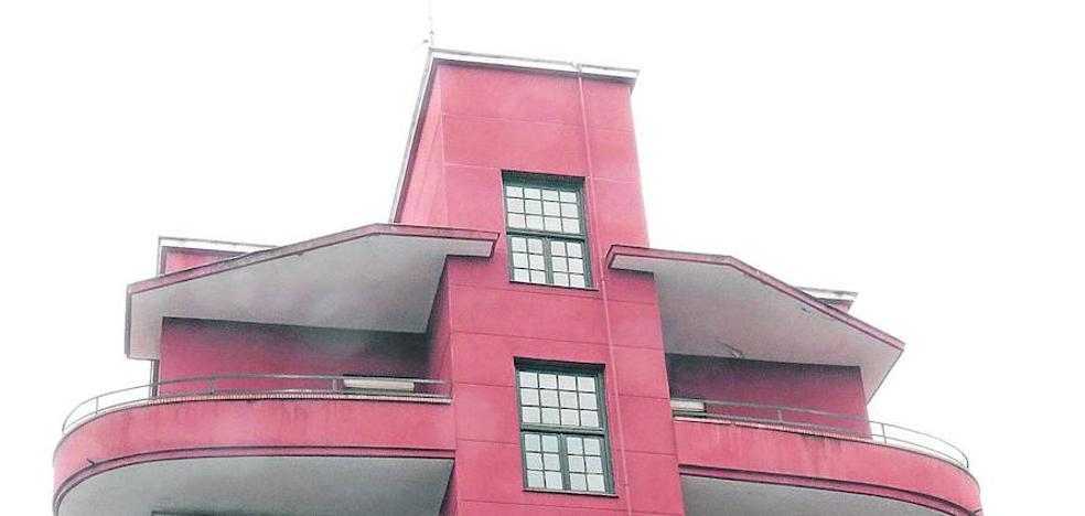 Los arquitectos distinguen los pisos del Hogar Nacional de Delicias de Valladolid por su valor patrimonial