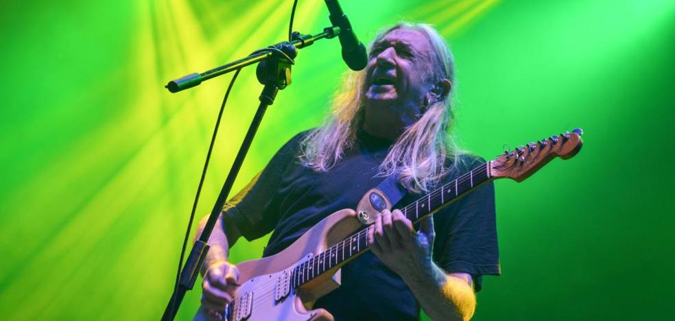 Rosendo atrae a tres generaciones de rockeros en el Espacio Atapuerca
