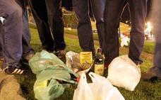 El vaso reutilizable no recicla la falta de civismo en las verbenas