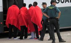 Rescatados 160 inmigrantes de cinco pateras en el Estrecho
