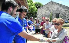 La marcha cofrade del Caloco recauda más de 3.000 euros para Autismo Segovia